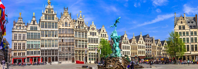 Grand Place d'Anvers, Grote Markt par une journée ensoleillée.