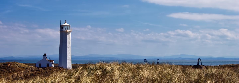 Phare de Walney sur la côte de Cumbria au Royaume-Uni