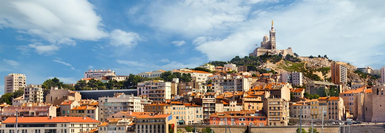 La basilique Notre-Dame de la Garde sur la colline qui domine Marseille